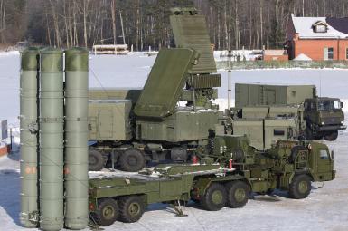 سازمان همکاری نظامی- تکنولوژی روسیه، روز دوشنبه هفدهم مهرماه، اعلام کرد که مسکو و ریاض درباره فروش سامانه خرید سیستم دفاع موشکی اس۴۰۰ و انواع دیگری از سلاحهای ساخت روسیه به عربستان، به توافق رسیدند.