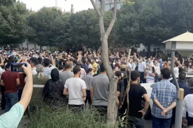 Protesters in Tabriz gather to support the protest movement in Khuzestan. July 24, 2021