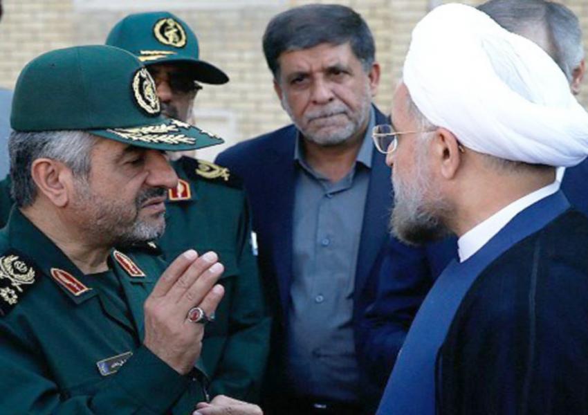 محمد علی جعفری  فرمانده ی سپاه پاسداران انقلاب اسلامی ایران  و حسن روحانی