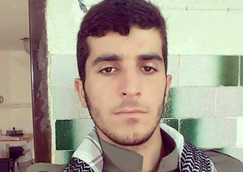 کولبر ۲۴ ساله ای با نام «پشتیوان معین» بر اثر شلیک گلوله جان خود را از دست داد.