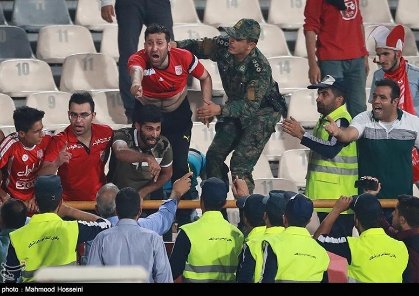 درگیری در ورزشگاه آزادی