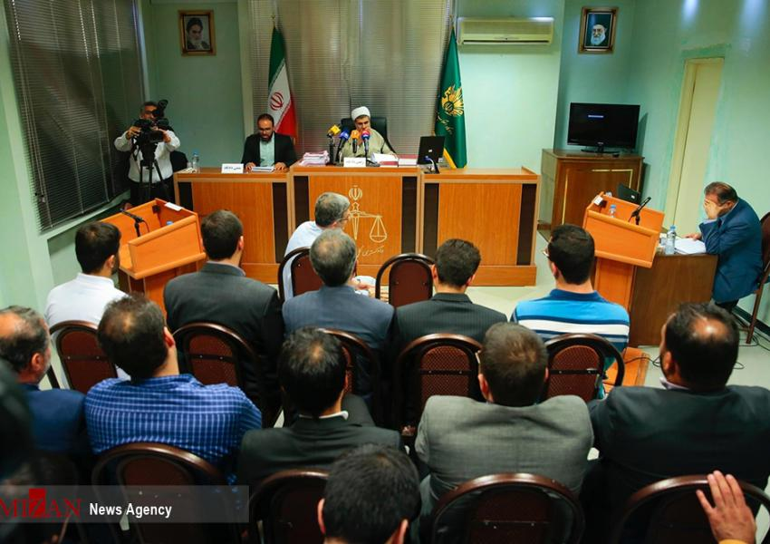 نخستین جلسه دادگاه مشایی بهطور علنی برگزار شد