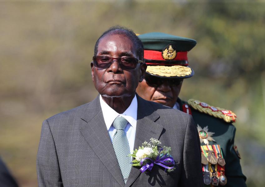 موگابه در آستانه استیضاح