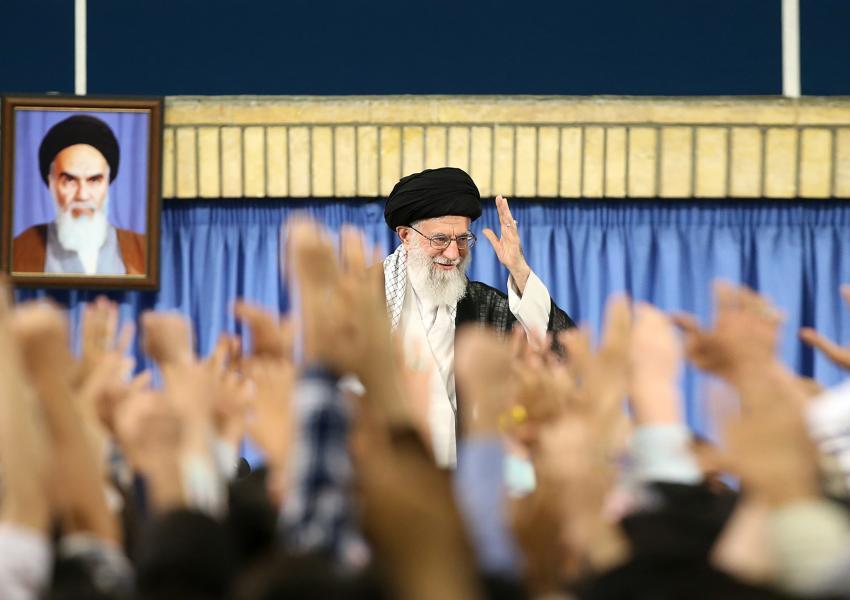 آیت الله خامنه ای در دیداری با دانشجویان -۱۷ /خرداد/ ۱۳۹۶