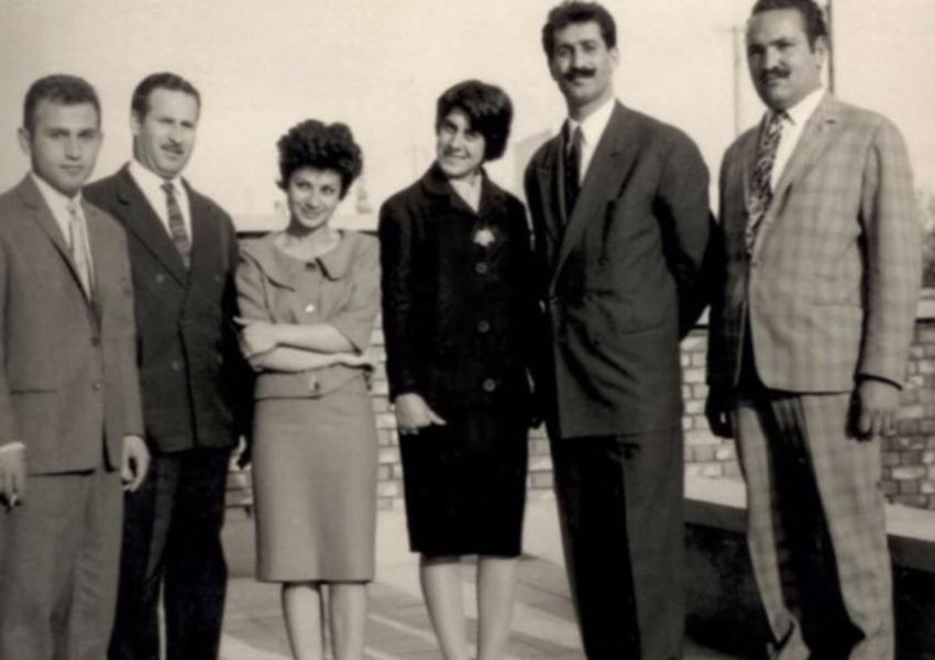 هما دارابی (نفر سوم از سمت چپ)