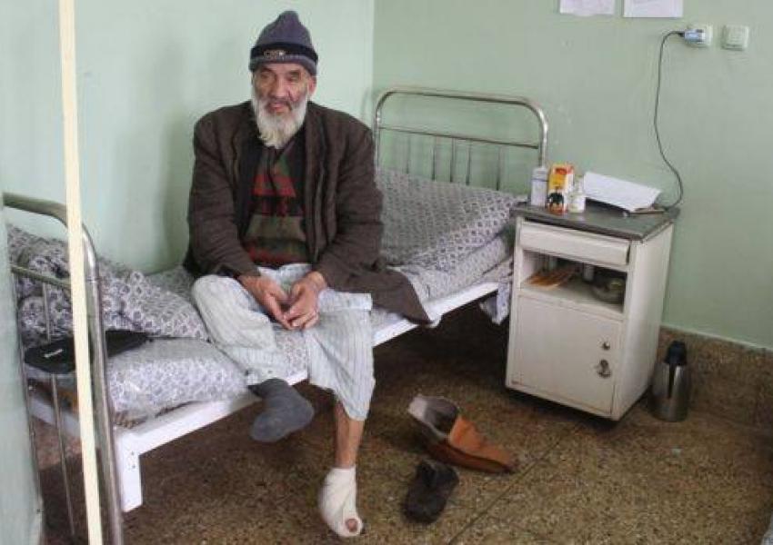 عبدالرشید ماشینی در بیمارستان وزیر محمد اکبرخان کابل