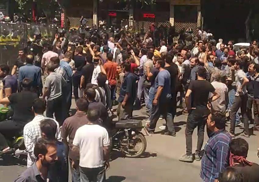 تجمع اعتراضی و تظاهرات در خیابان شاپور اصفهان