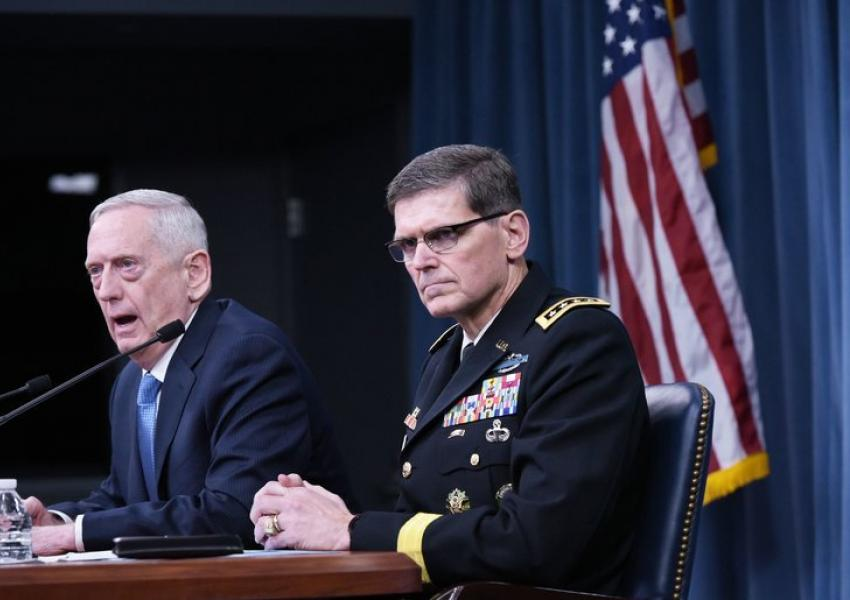 ژنرال جوزف ال. وتل رئیس ستاد فرماندهی مرکزی ارتش آمریکا