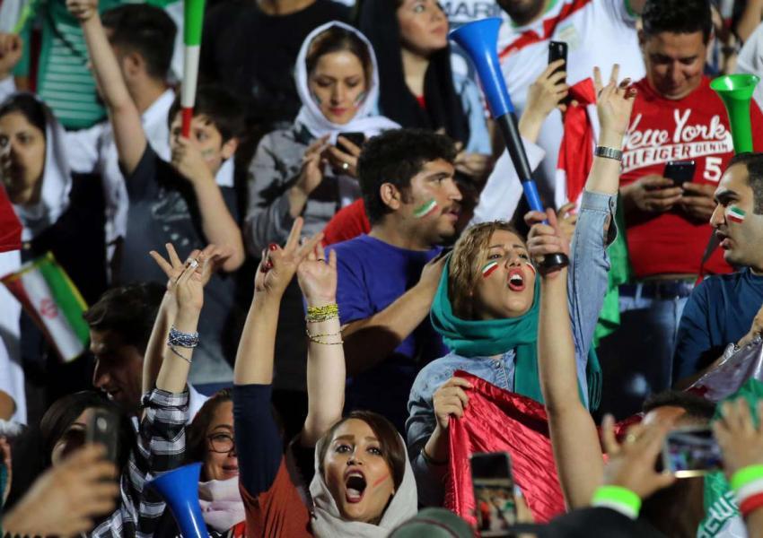 حضور زنان در استادیوم آزادی
