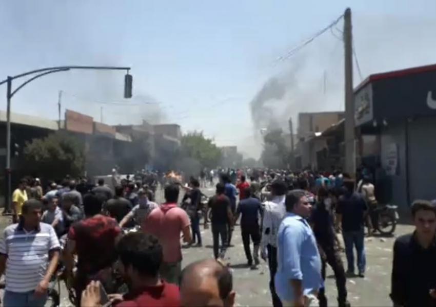 درگیری معترضان با نیروی انتظامی در اصفهان - ۱۱ مرداد ماه