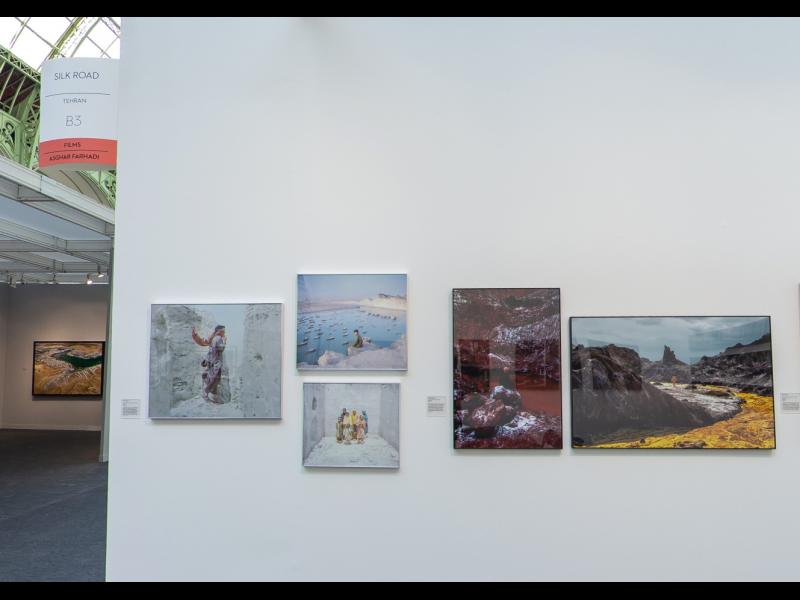 غرفه گالری راه ابریشم در پاریس فوتو