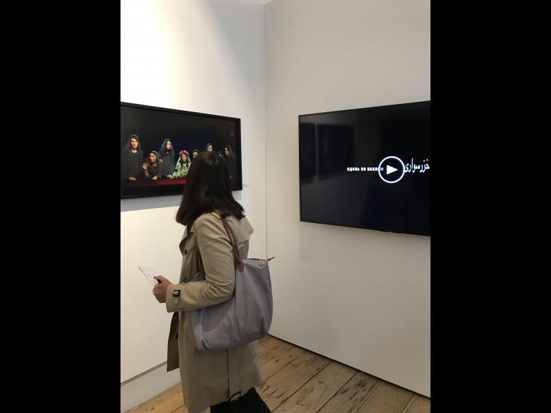 غرفه پروژههای رویا خواجوی در نمایشگاه عکس لندن ۲۰۱۹